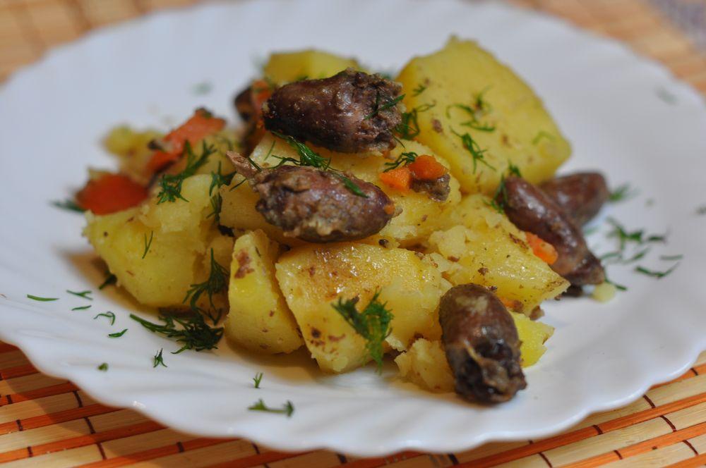 как вкусно приготовить картошку и куриные сердечки