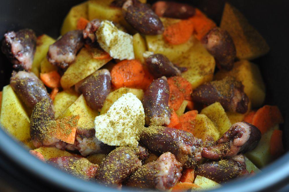 как приготовить сердечки куриные вкусно в мультиварке с картошкой