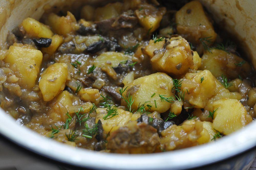 Картофель тушеный с грибами и мясом в мультиварке рецепты с фото