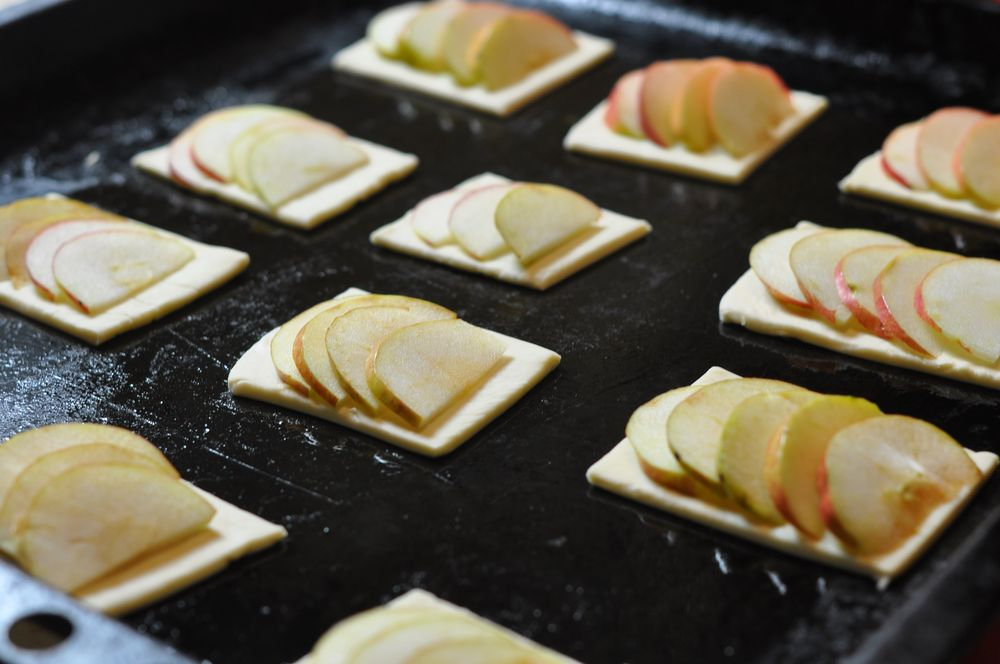 Слоеное тесто яблоки корица
