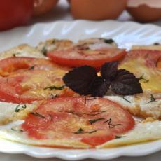 Омлет  помидорами