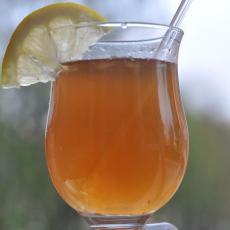 Простой яблочный коктейль