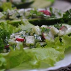 Салат с редисом и свежим огурцом