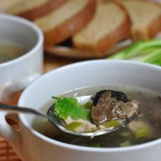 Суп рисовый с курицей и грибами
