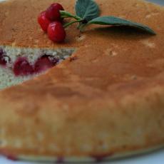 Вишнёвый пирог в мультиварке