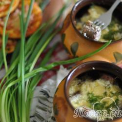 Драники с колбасками - горшочек по-белорусски