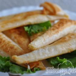 Горячая закуска из лаваша с сыром