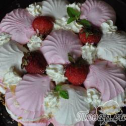 Торт из зефира и фруктов
