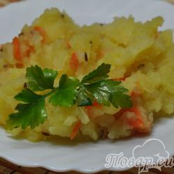 Тушёный картофель с тмином