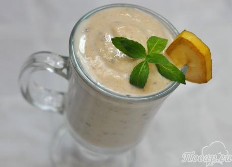 Банановый коктейль с печеньем: готовый напиток
