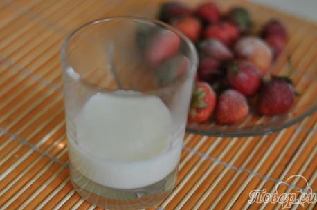 Слой молочного киселя для приготовления десерта из киселя для малышей