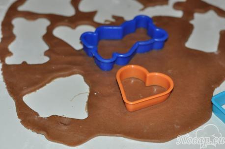 приготовление фигурного печенья из песочного теста с помощью формочек