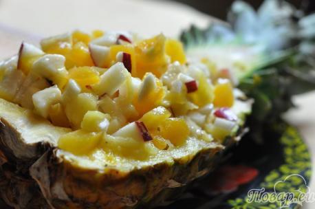 Фруктовый салат в ананасе: готовое блюдо
