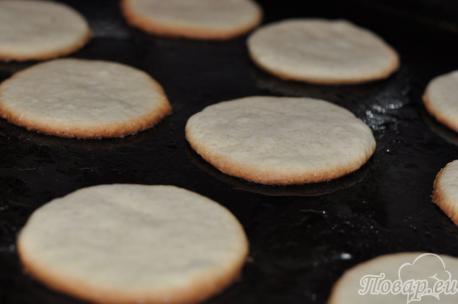 Основа для приготовления глазированного печенья из песочного теста