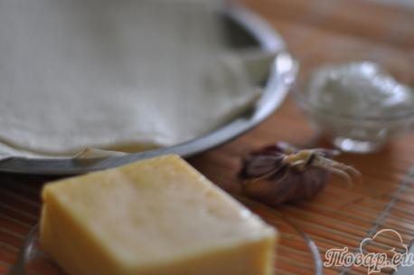 ингредиенты для приготовления горячей закуски из лаваша с сыром