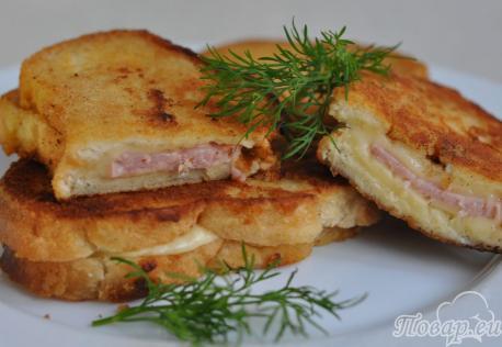 Горячие бутерброды на сковороде: готовое блюдо