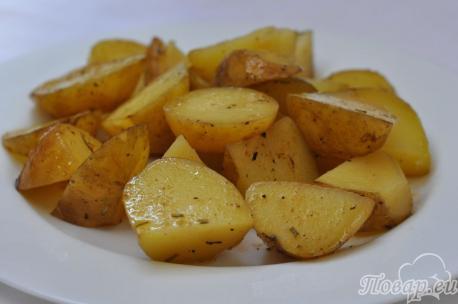 Картофель по-деревенски в мультиварке: готовое блюдо