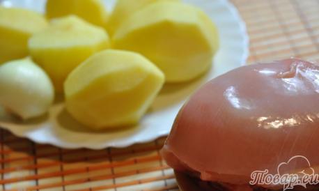 Картофель с котлетами в мультиварке: продукты