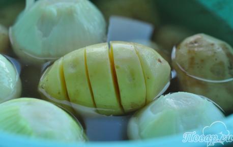 Картофель в фольге на углях: подготовка ингредиентов