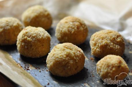 Картофельные шарики из пюре готовы