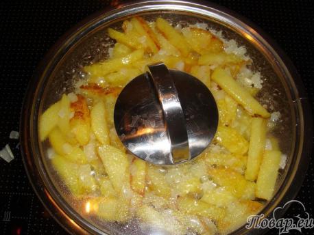жареный картофель с луком