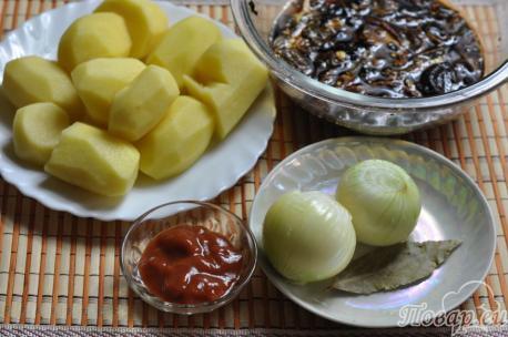 Картошка тушёная с грибами: продукты