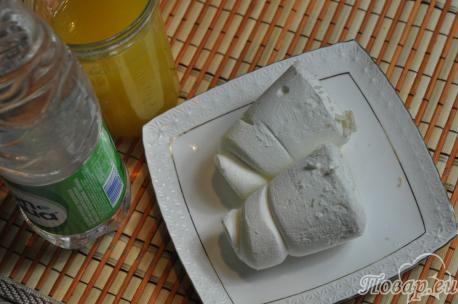 Коктейль с мороженым и соком: продукты