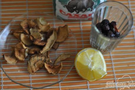 ингредиенты для компота из шиповника с яблоками