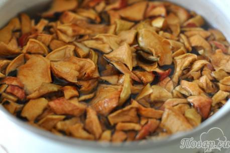 Компот из сушёных яблок: варка