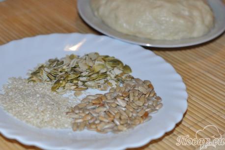 Крендельки дрожжевые с семечками: продукты