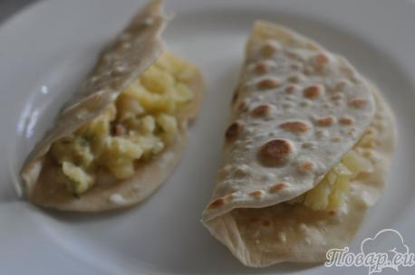 Кыстыбый с картофелем: лепёшка с начинкой