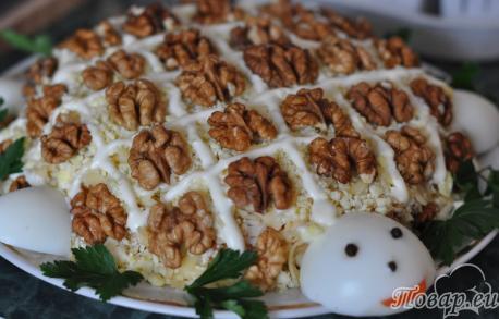 Новогоднее меню: салат Черепаха с грецкими орехами