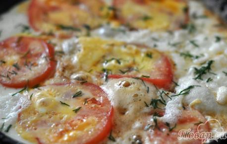 Омлет с помидорами: готовое блюдо