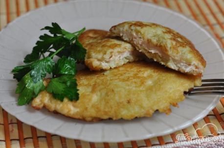 Отбивная в картофельном кляре: готовое блюдо