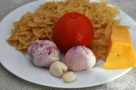 Паста с сыром и овощами: продукты