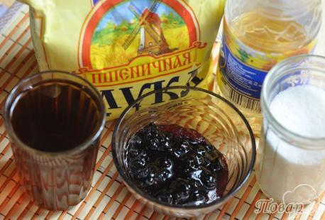 Пирог постный с вареньем: продукты