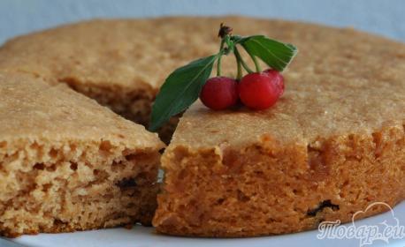 Пирог с вишнёвым вареньем