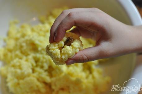 Пирожное к Новому году: приготовление шариков с орехом