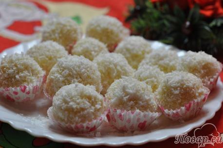 Пирожное к Новому году: кокосовая стружка