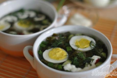 Яйца для приготовления холодника из щавеля