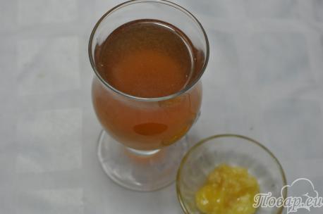 Простой яблочный коктейль: готовый напиток