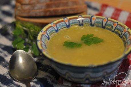 Гороховый суп с рёбрышками