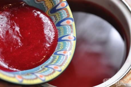 Рецепт клюквенного морса: добавление сока