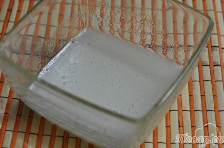 Рецепт клюквы в сахарной пудре: белковая масса