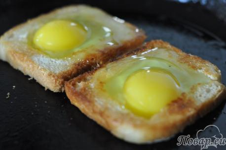 Рецепт яичницы по-французски: яйца
