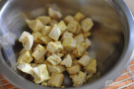 Обжаренное филе для салата с курицей и сладким перцем