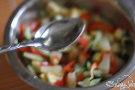 Заправка для салата с курицей и сладким перцем