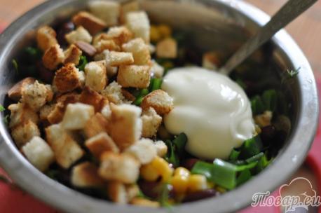 Сухарики для салата с сухариками и кукурузой