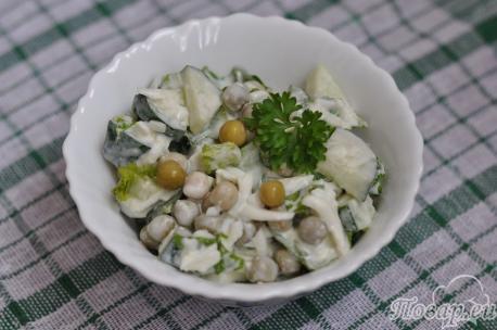 Салат с яйцами и свежим огурцом