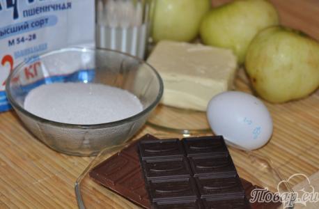 Шоколадная шарлотка с яблоками: продукты